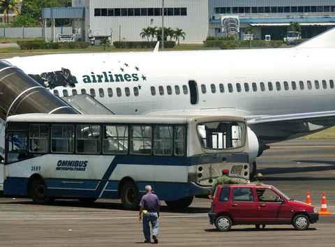 20070504152933-avion.jpg