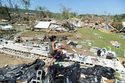 20110506102521-2.-tornados-en-ee.uu-media.jpg