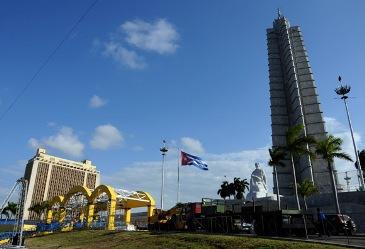 20120311074853-plaza-de-la-revolucion-papa-benedicto-2.jpg