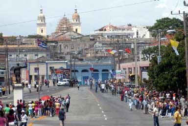 20120329070300-saludo-de-raul-a-los-santiagueros.jpg