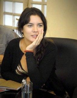 20120405010707-camila-vallejo-1.jpg