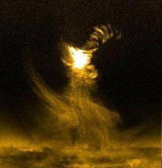 20120407065816-solar-tornado-644x362.jpg