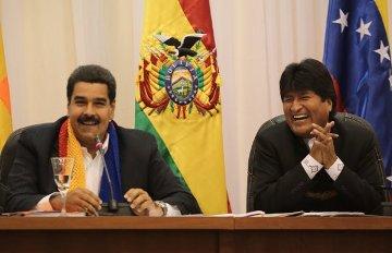 20130527030456-evo-morales-maduro-bolivia.jpg