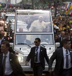 20130723193623-papa-en-brasil.jpg