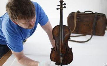 20131020142252-violin-titanic.jpg