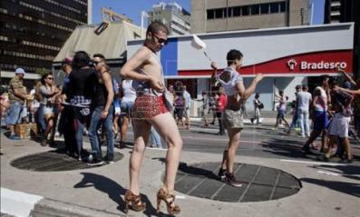 20140504230012-desfile-gay-sao-paulo.jpg