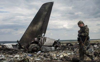 20140724224505-ucrania-avion1.jpg
