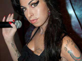 20140822134604-amy-winehouse-with-mike.jpg