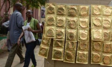 20141008031228-uganda-preservativos.jpg