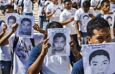 20141117002538-marcha-silencia-familiares-estudiantes-ayotzinapa-1.jpg