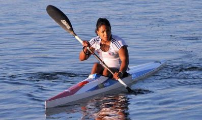 20141117004547-yusmari-mengana-oro-kayak-monoplaza-500-en-centroamericanos.jpg