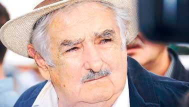 20150126223218-mujica-tabare-vazquez.jpg