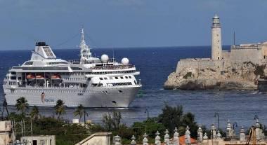20150309022538-ferry-cuba.jpg