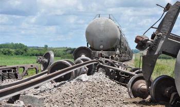 20150825110800-tren-de-carga-cemento-descarrila-ss.jpg
