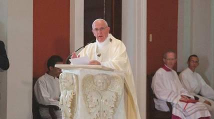 20150922201933-papa-francisco-en-misa-en-santuario-de-la-virgen-de-la-caridad-del-cobre.jpg