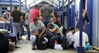 20151229113843-cubanos-en-costa-rica.jpg