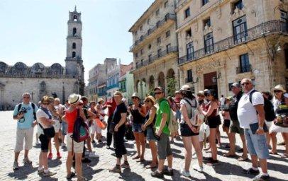 20160903033549-turistas-en-cuba.jpg