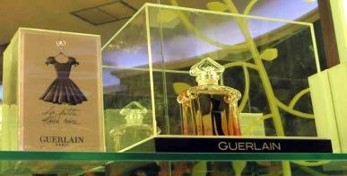 20161219040528-la-tecla-con-cafe-perfumeria-francesa-casa-guerlain-la-hbana-.jpg