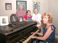 20060715020247-familia-anido-al-piano333.jpg