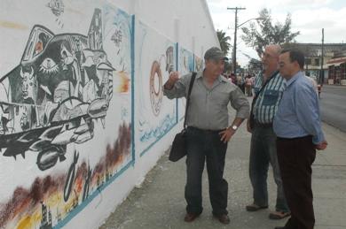 20090316142312-mural.jpg