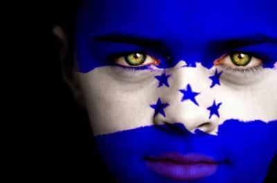20090629220155-cara-bandera.jpg