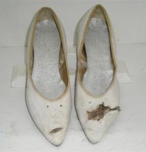 20110422055020-zapatos-de-nemesia.jpg