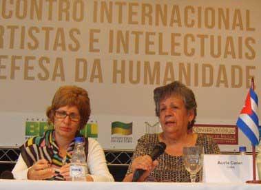 20120609170005-intelectuales-rio-nota.jpg