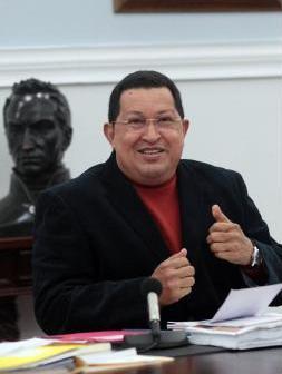 20121009183757-saludo-de-chavez-a-capriles.jpg