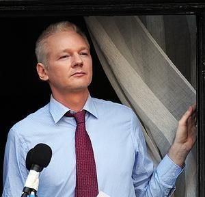 20121025074855-assange-300x300-365xxx80.jpg