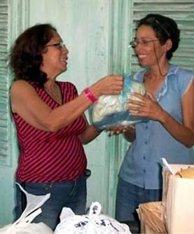 20121125115311-reciben-periodistas-holguineros.jpg