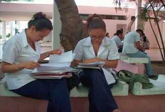 20130830141653-estudiantes-extranjeros-medicina-cfg.jpg