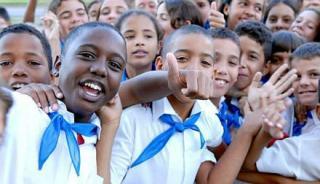 20130905104952-poblacion-cubana-pioneros.jpg
