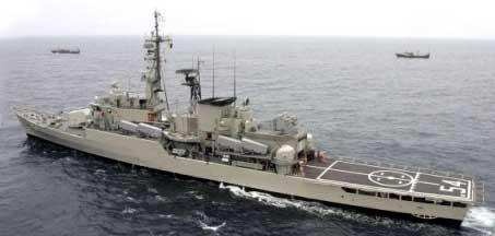 20140210124417-8.marina-peruana-navega-en-el.jpg