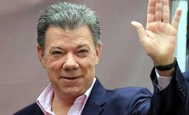 20140616042948-santos-reelegido-presidente.jpg