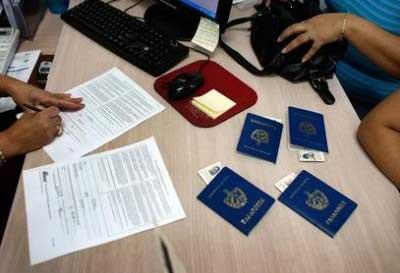 20140820132407-servicios-consulares-cubano.jpg
