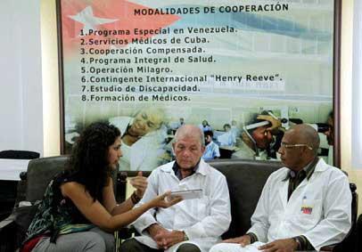 20141022114328-ebola-cuba-medicos-nrigada-.jpg