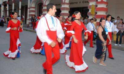 20141026010538-fiesta-cultura-hiberoameric.jpg