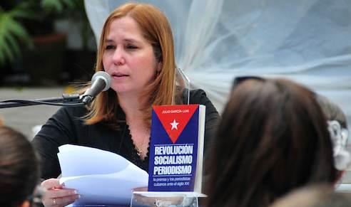 20150218105602-rosa-miriam-elizalde-libro-julio-garcia-luis-periodismo.jpg