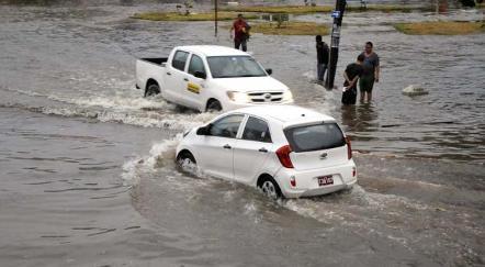 20150430225150-inundaciones-habana-abril2015-18.jpg