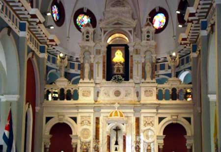 20150922014237-iglesia-el-cobre2.jpg