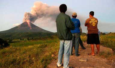 20151203012245-erupciona-el-momotombo-nicaragua.jpg