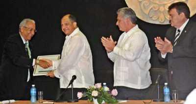 20151215114556-el-presidente-de-costa-rica-luis-guillermo-solis.jpg