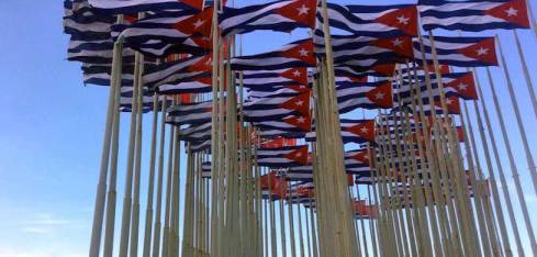 20160102064833-foto-malecon-banderas-ano-n.jpg