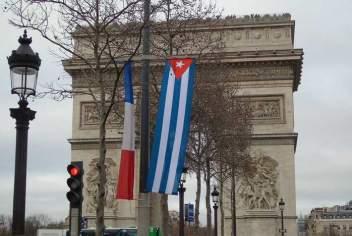 20160719134653-francia-cuba-banderas.jpg