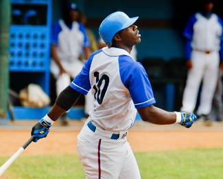 20160827043217-rudy-reyes-industriales-serie-nacional-de-beisbol.-foto-alex-castro..jpg