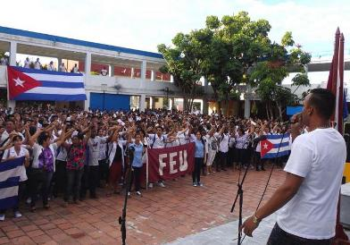 20160927133043-denuncian-estudiantes-cubanos-acciones-injerencistas-yanquis.jpg