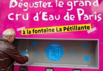 20170324015619-paris-instala-bebederos-publicos-de-agua-con-gas2.jpg