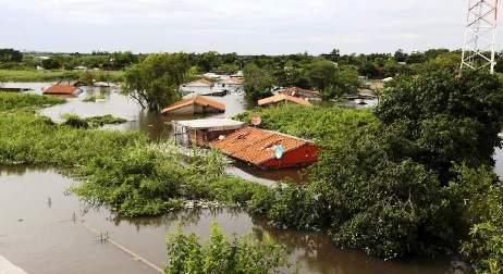 20170326144204-inundaciones-agua-catastrofe-el-nino-asuncion-2015-diciembre-reuters.jpg