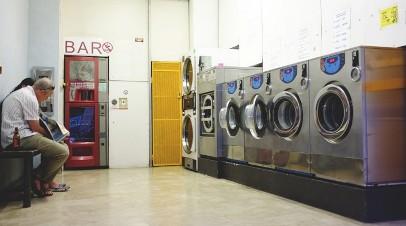 20170413192202-la-lavanderia-del-papa-francisco-para-pobres.jpg
