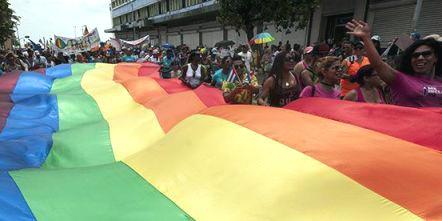 20170513231202-jornada-cubana-contra-la-homobobia-y-la-transfobia-1-580x389.jpg